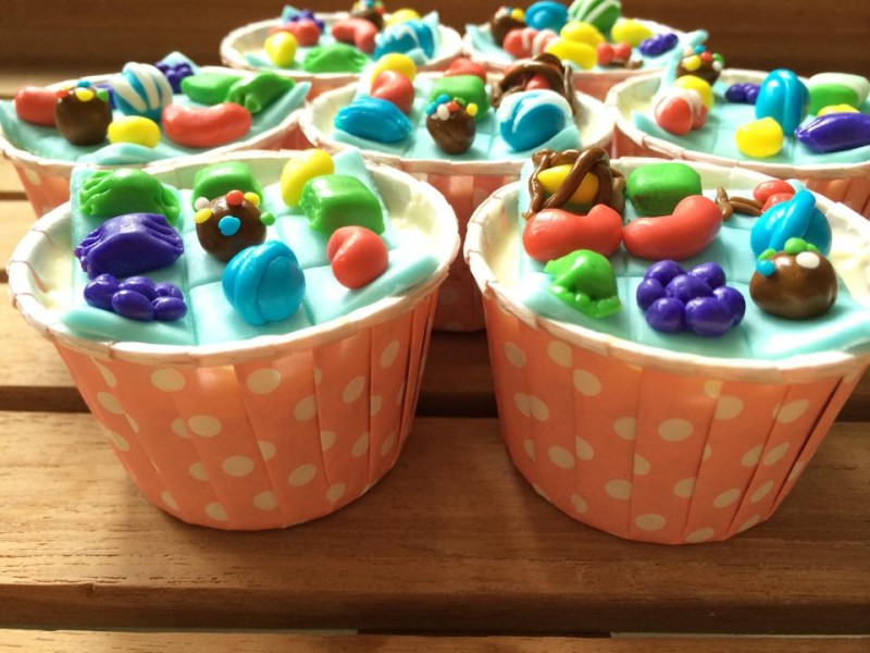 Candy crush cupcakes for everyone